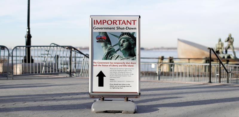 שלט בניו יורק / צילום: רויטרס, Andrew Kelly