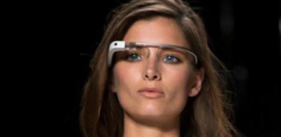 צפו: משקפי גוגל-גלאס עושים קאמבק והם טובים מאי פעם