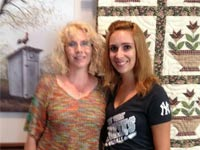 וויטני ברוק עם אמא הביולוגית \ מתוך: צילום מסך פייסבוק