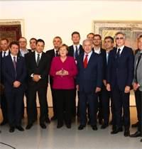 אנגלה מרקל, בנימין נתניהו ושרים מהממשלה הישראלית והגרמנית במפגש / צילום: הרשות לחדשנות