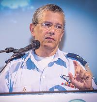 """מנכ""""ל משרד הביטחון אמיר אשל. חלף המועד להסבת הדוחות על שם הנהג / צילום: שלומי יוסף, גלובס"""