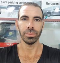 ערן דוד, בעלים של עסק להתקנת מערכות מולטימדיה ואביזרים לרכב     / צילום: תמונה פרטית