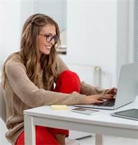 עבודת מהבית. רבים מעדיפים מודל העסקה גמיש / צילום: Shutterstock/א.ס.א.פ קרייטיב
