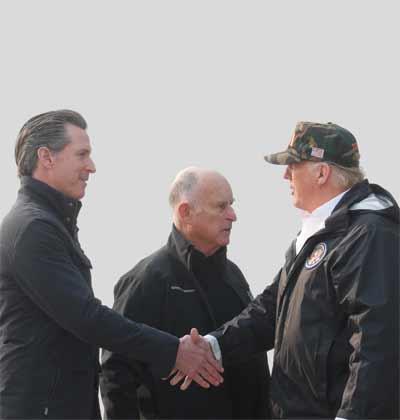הנשיא טראמפ ומושל קליפורניה, גאווין ניוסום/ צילום: רויטרס