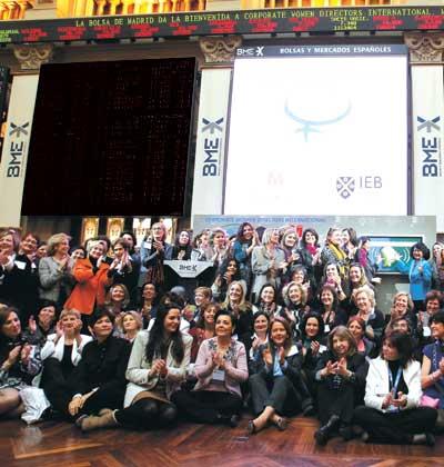 חברות פרויקט הדירקטוריות התאגידיות (CWDI) הבינלאומי פותחות את המסחר  בבורסה במדרידתת ייצוג עולמי / צילום: רויטרס