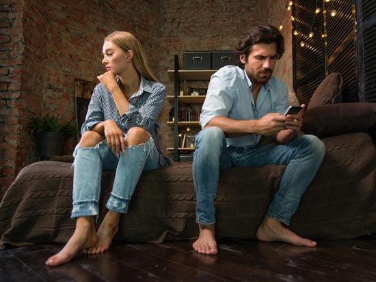 בודדים בזוגיות / צילום: com/ א.ס.א.פ קראייטיב