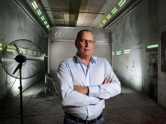 """ניר פוזנר, מנכ""""ל מרכבים / צילום: איל יצהר"""