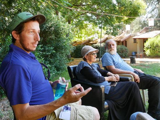 אלון ורינה טיגר עם אלנתן גולום. כל פתרון זמני ירחיק אותם מחזרה הביתה / צילום: תמר מצפי, גלובס