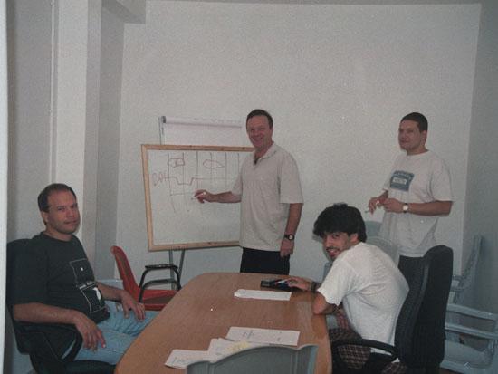 עובדי מלאנוקס הראשונים ב-1999 / צילום: מלאנוקס טכנולוגיות