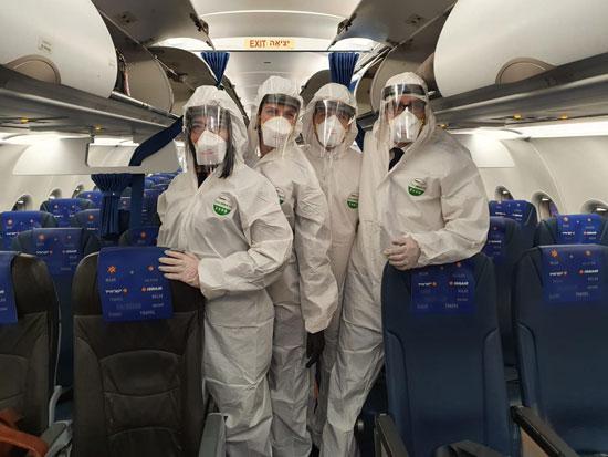 """דיילי ישראייר. """"כשהנוסעים רואים אותנו בחליפה הם נבהלים"""" / צילום: יח""""צ"""