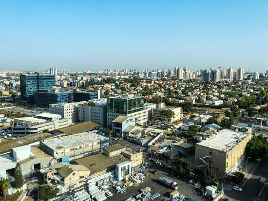 פתח תקווה. התושבים מפחדים מירידת ערך הדירות / צילום: Shutterstock | א.ס.א.פ קריאייטיב