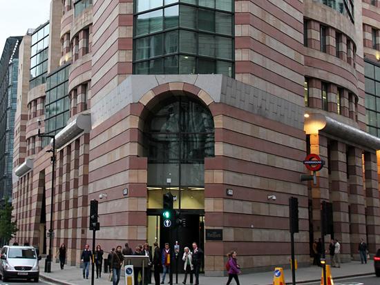 """הבניין בלונדון שנקנה ב-100 מיליון ליש""""ט / צילום: ויקיפידיה - Tony Hisgett"""