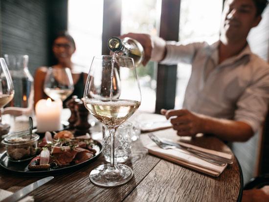 יין באמצע היום / צילום: Shutterstock | א.ס.א.פ קריאייטיב
