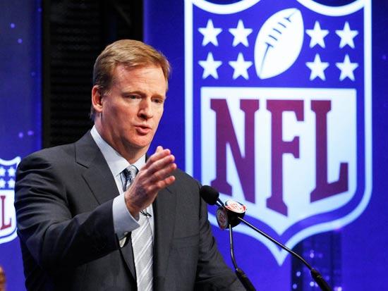 קומישינר ליגת ה-NFL רוג'ר גודל, פוטבול / צילום: רויטרס