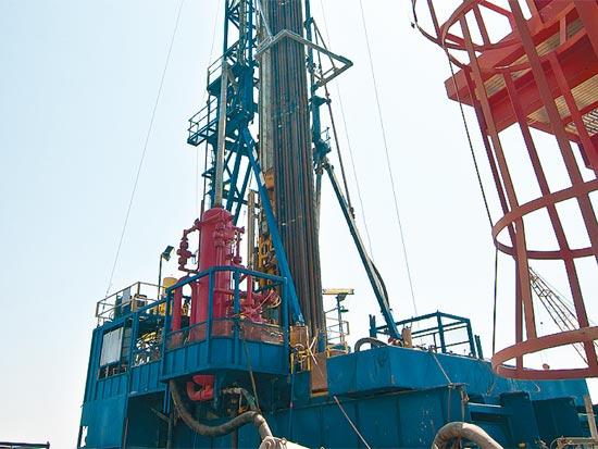 אסדת ים תטיס אסדה נפט גז / צלם: אוריה תדמור