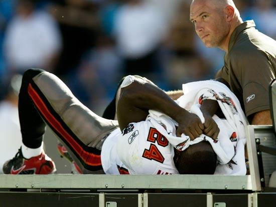 שחקן פוטבול פצוע, NFL / צילום: רויטרס