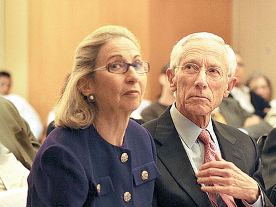 סטנלי ורודה פישר, אות פורום בכירי המשק של אוניברסיטת חיפה / צלם אבשלום ששוני
