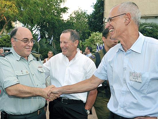 אריק שור, מאיר שמיר, אבי בניהו, ערב אמץ לוחם 2011 / צילום בן יוסטר