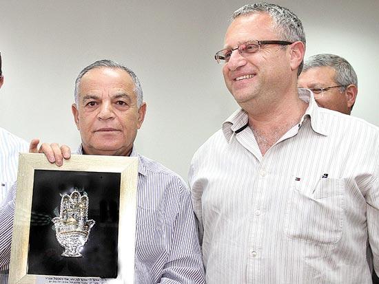 מוטי כידור, אבנר לוי, ארגון הקבלנים והבונים בתל אביב יפו בת ים / צלם עופר עמרם