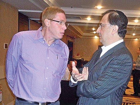 לב לבייב, רונן גינזבורג, יום פרסום הדוחות הכספיים לשנת 2010 / צלם איל יצהר