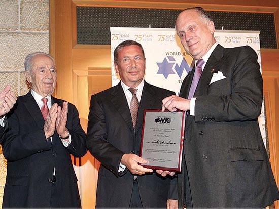 רונלד לאודר, נוחי דנקנר, שמעון פרס, פרס הקונגרס היהודי העולמי לנוחי / צילום: סיון פרג'