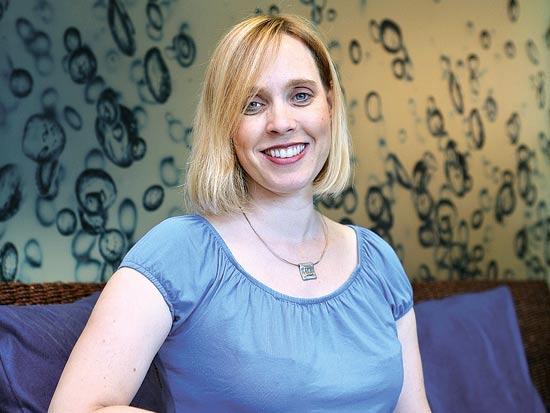 שרון ויינבאום, מנהלת משאבי אנוש בחברת פרוקטור אנד גמבל / צילום: עינת לברון