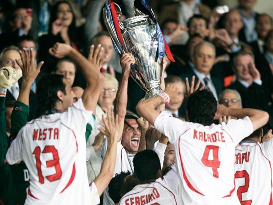 מילאן חוגגת זכייה בליגת האלופות ב-2007 / צילום: רויטרס
