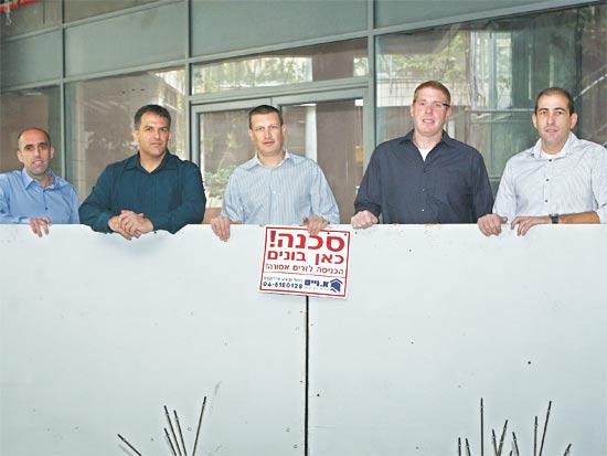 טל הרשקוביץ (מימין), רונן גינבורג, אסף מור, אמיר נחום וגיא גבע / צילום: עינת לברון