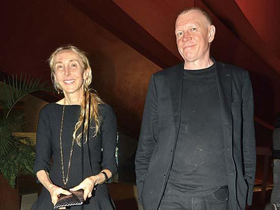 קרלה סוצאני (משמאל) ובן זוגה, פתיחת שבוע האופנה חולון 2012 /צילום: תמר מצפי