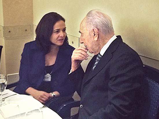 שמעון פרס, שריל סנדברג, קבלת שבת בראבוס / צילום: חשבון האינסטגרם של הנשיא