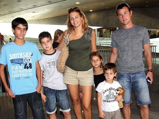 משפחת שרצקי, ניר ריף אופיר גלית רזי ואריאל, ביקור במוזיאון ישראל / צילום: יוסי כהן