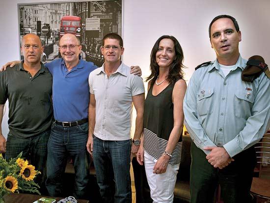 משה אלוש, עירית שטראוס, גלעד בר ידין, אילן טל, עדי שטראוס / צילום: איתן ריקליס