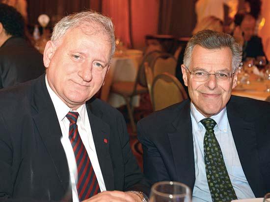מיירון שולס, יאיר סרוסי, ועידת ישראל לעסקים 2012 / צילום: תמר מצפי