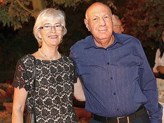 דב ולואיז ויסגלס, נישואי אופיר איכנוולד עב