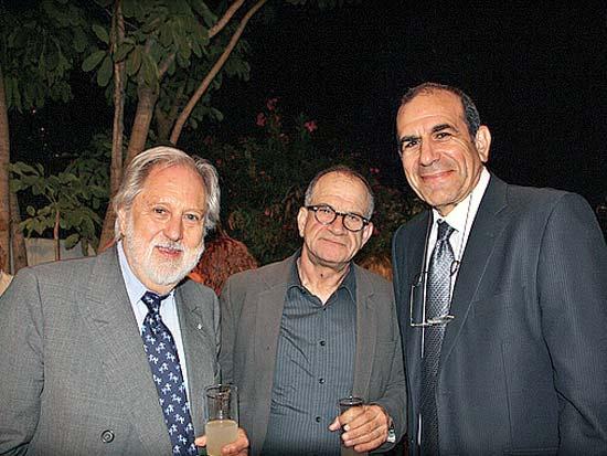 גלעד שר, רנן שור, דיוויד פאנטם, ארוחה חגיגית לכבוד המפיק האנגלי פאנטם / צילום: יחצ