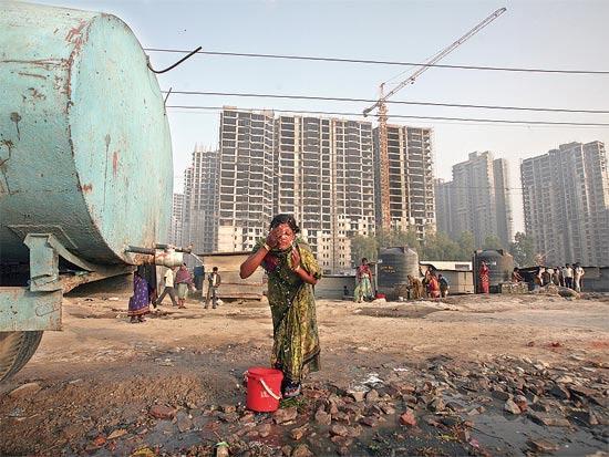 בניה חדשה בהודו / צילום: רויטרס