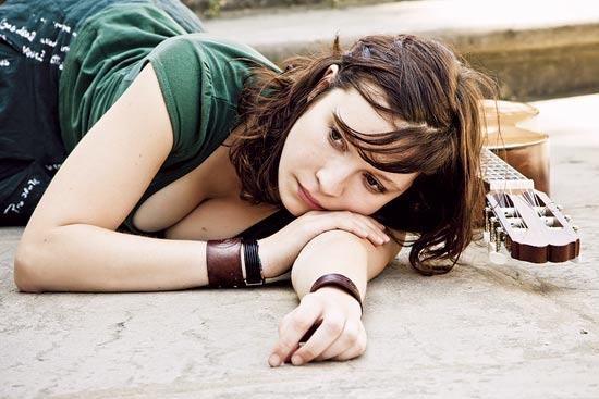 מוזיקה עצובה / צילום: shutterstock