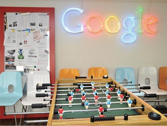 משרדי גוגל בישראל. לא מתרשמת ממשרדים מפונפנים / צילום: תמר מצפי