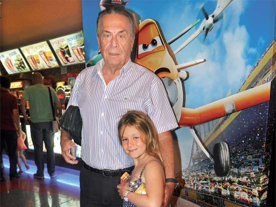 אבי פרידמן והנכדה, הקרנת בכורה לסרט