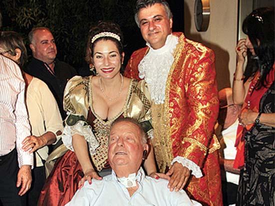 משה להב, רחלי הורביץ, דב לאוטמן, חתונת טיש הגדול / צילום: יוסי כהן