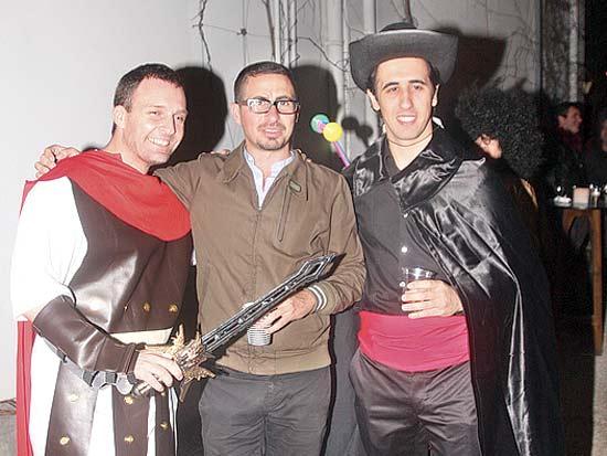 יואב פלאטו שרון, אלון קסטיאל, ניר שמול, מסיבת פורים בעמותת