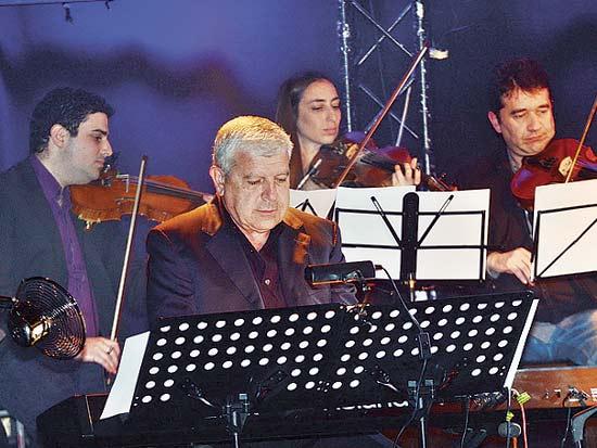 יהודה לוי, ערב של מוסיקה לטינית / צילום: ישראל הזרי