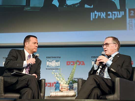 אלן דרשוביץ, יעקב אילון, ועידת ישראל לעסקים 2013 / צילום: תמר מצפי