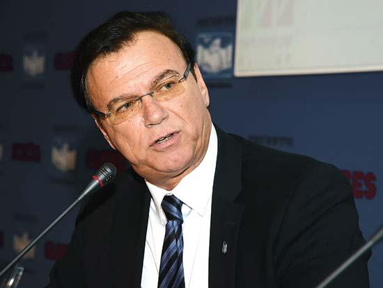 אפי שטנצלר, ועידת ישראל לעסקים 2013 / צילום: איל יצהר