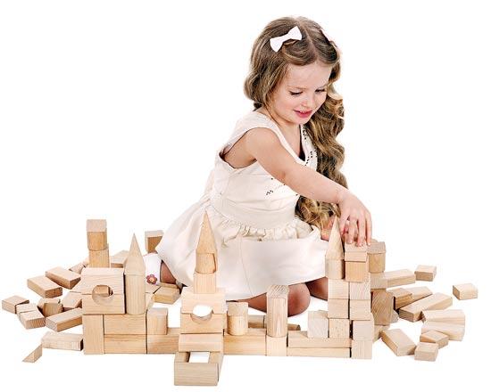 ילדה משחקת / צילום: shutterstock