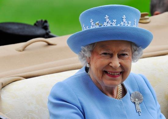 מנהיגים מבוגרים - אליזבט מלכת אנגליה / צילום: רויטרס