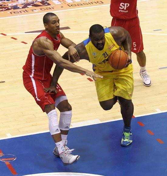 דרבי בליגת העל בכדורסל בין מכבי להפועל ת