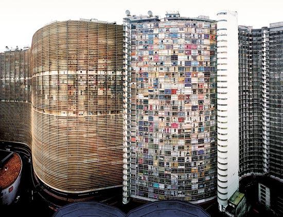 עבודות מאוסף אהובי בתערוכת המגדל הבוער / צילום: יחצ