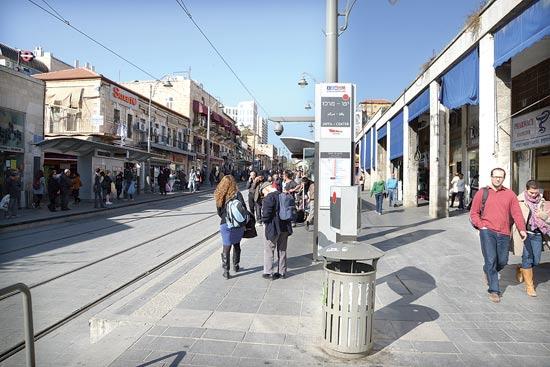 ציר הרכבת הקלה ברחוב יפו / צילום: איל יצהר
