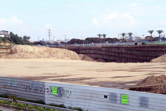 הקרקע עליה ייבנה פרויקט הרצליה הילס / צילום: רוני שיצר
